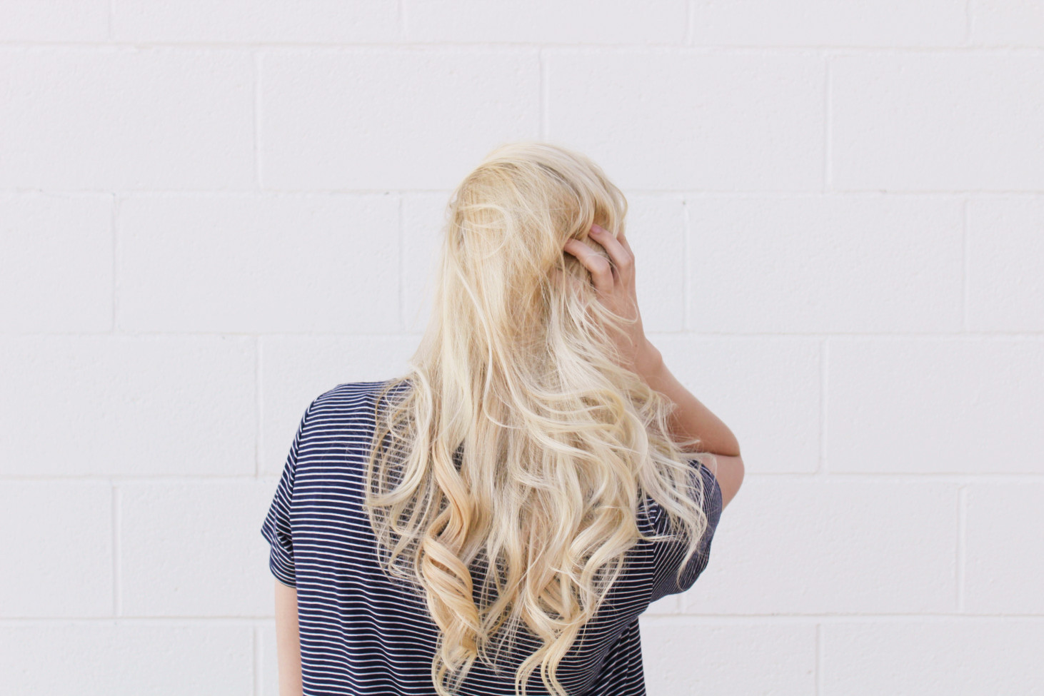 Diy Halo Hair Extensions The Bottle Blonde